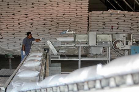 Crecen las diferencias en conflicto azucarero