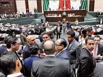 Diputados se embolsan 150 mil pesos sin justificar gastos