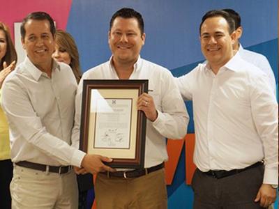 Gobernador electo de Tamaulipas presenta decálogo de compromisos