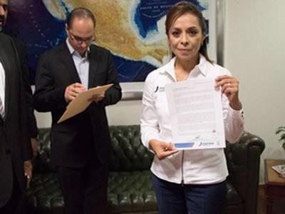 Vázquez Mota pide que INE atraiga elección del Edomex
