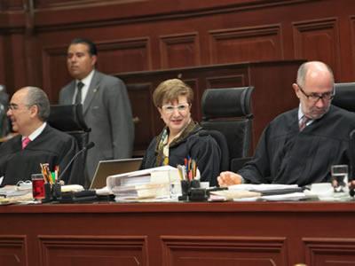 Orgullo de su nepotismo: jueces federales en Pueblan reparten chambas a familiares
