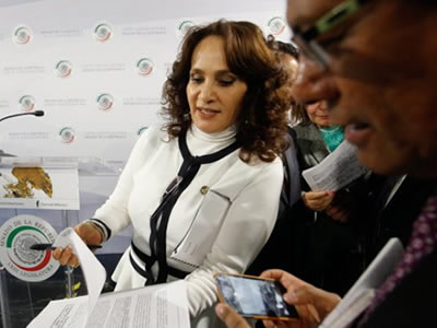 La unidad de la izquierda, única solución en México, afirma senadora