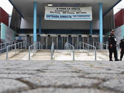 Hijo de Raúl Flores promueve amparo contra extradición