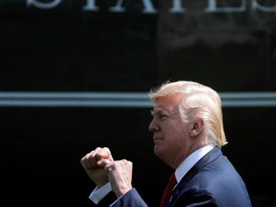 Macron aborda con Trump la tensión con Corea del Norte
